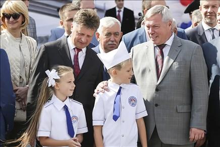 ВРостове-на-Дону открыли реконструированный Ворошиловский мост