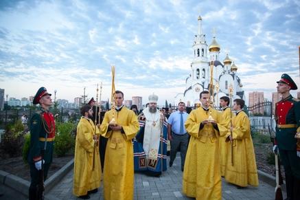 Ковчег смощами святого праведного воина Феодора Ушакова доставлен вРостов