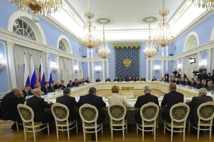 Д. Медведев призвал увеличить товарное производство рыбы в РФ